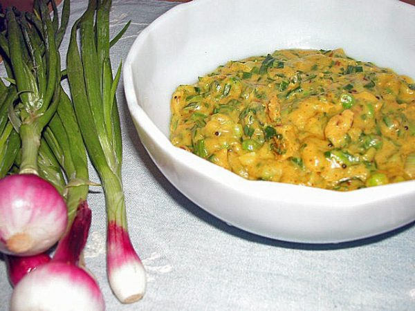 Spring Onion Curry with Besan