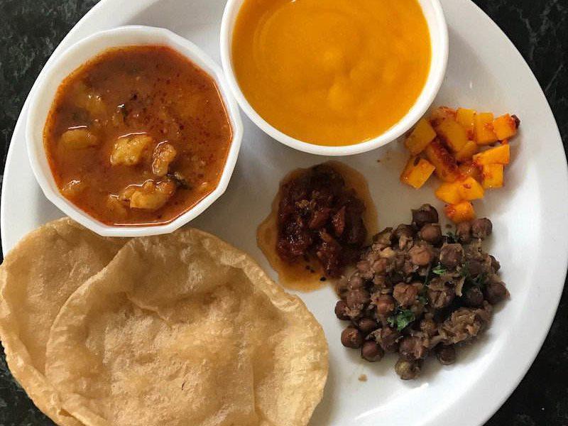 kala chana puri - what to serve with puri