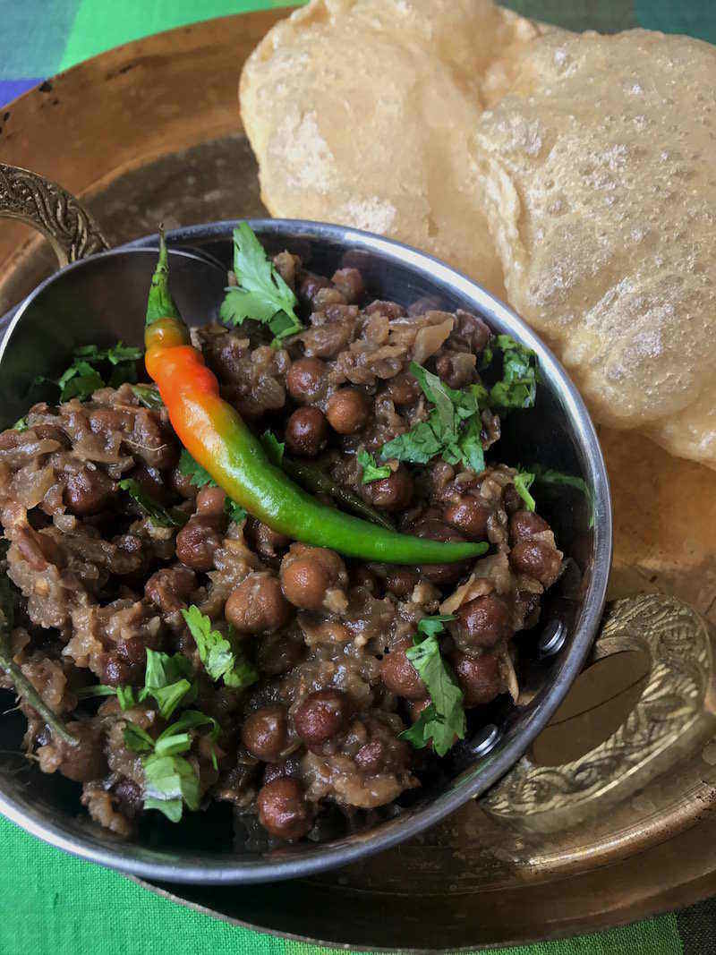 kala chana recipe with poori