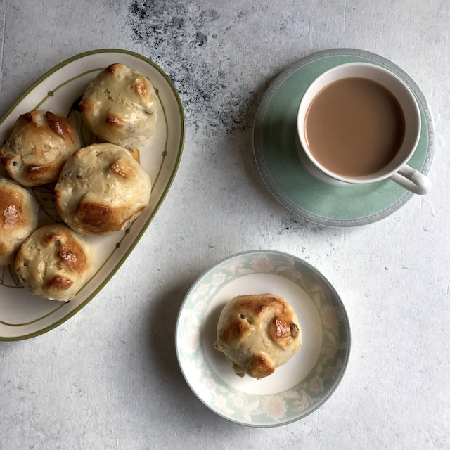 eggless hot cross buns
