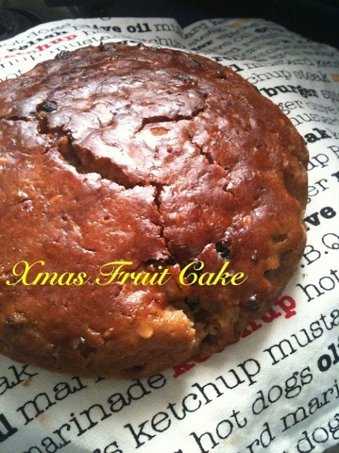 Christmas Cake Recipe (also includes an eggless cake recipe)
