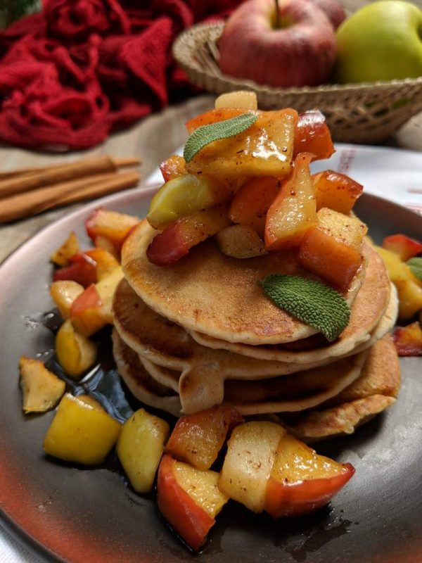 Apple Pie Pancakes: Kid in the kitchen