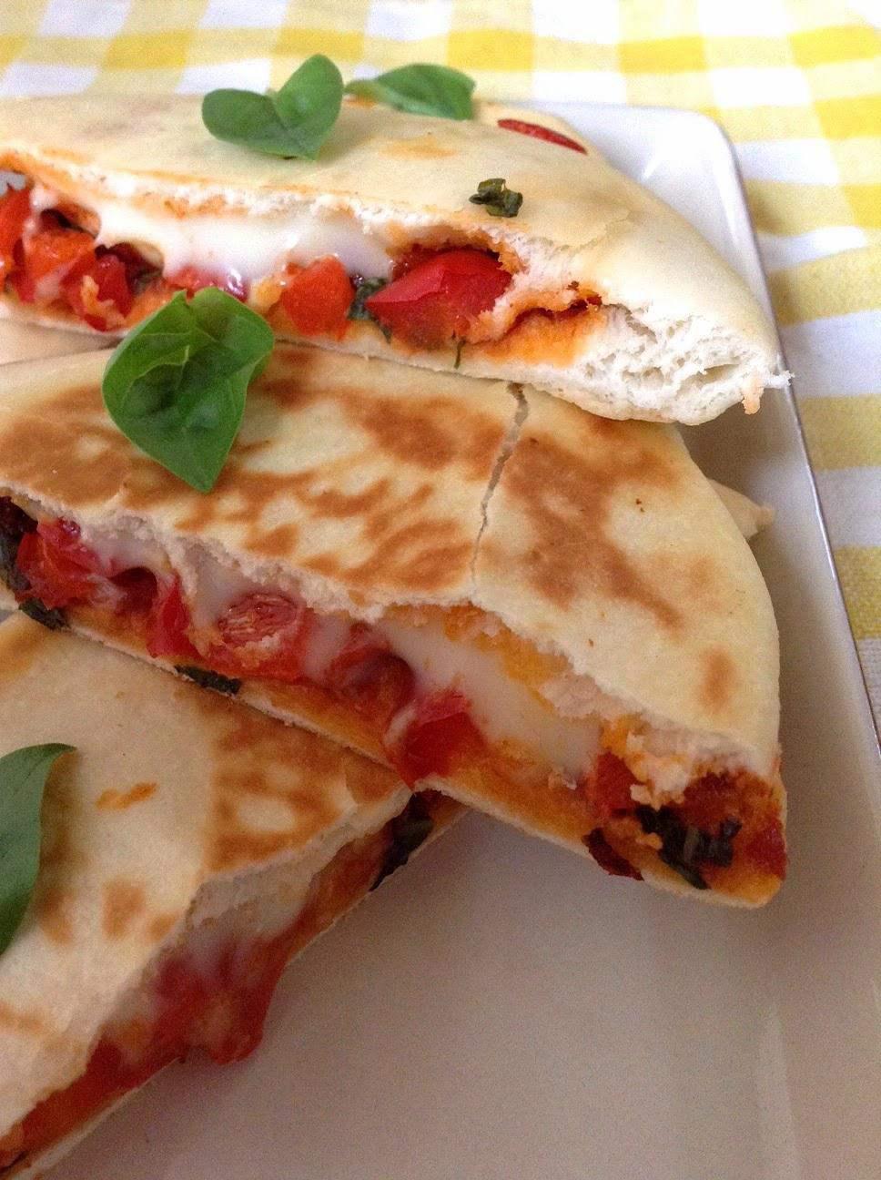 Quick Lunchbox Recipe Pita Pocket Pizza Sandwich Saffron Trail