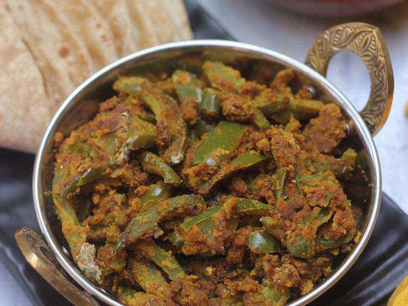 shimla-mirch besan subzi capsicum dry curry