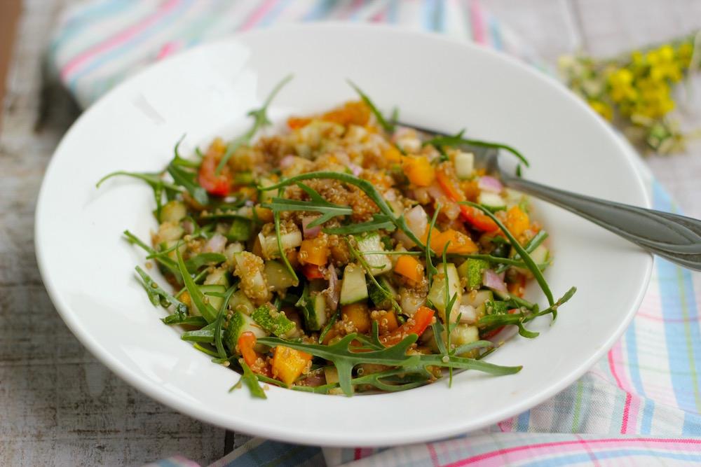 mediterranean-quinoa-salad-tossed-01