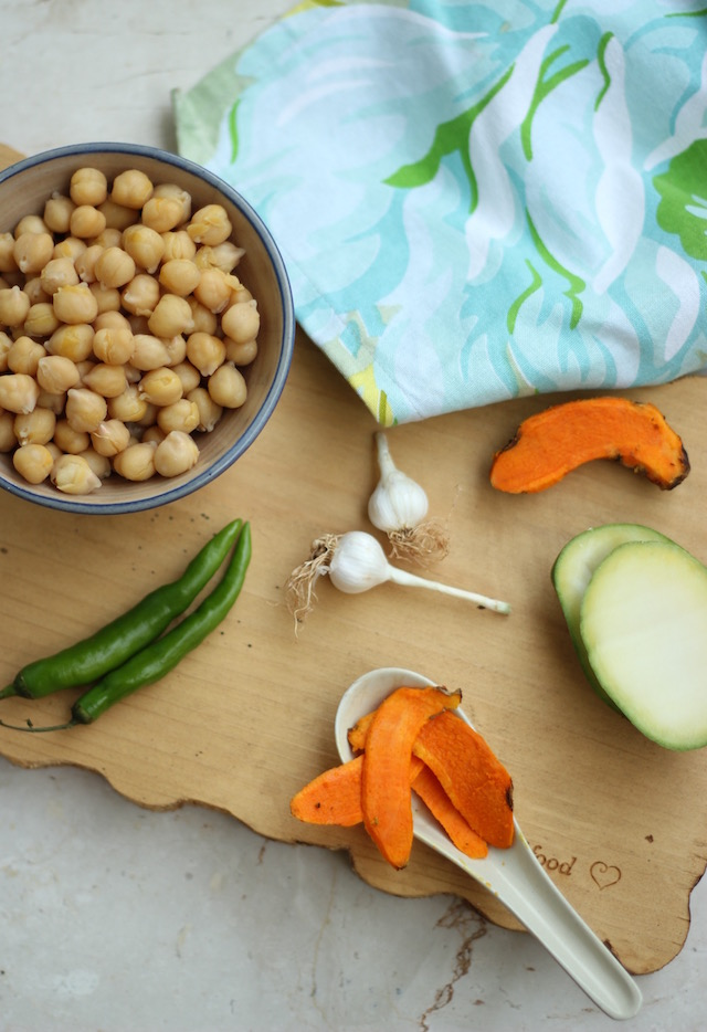turmeric-hummus-green-mango