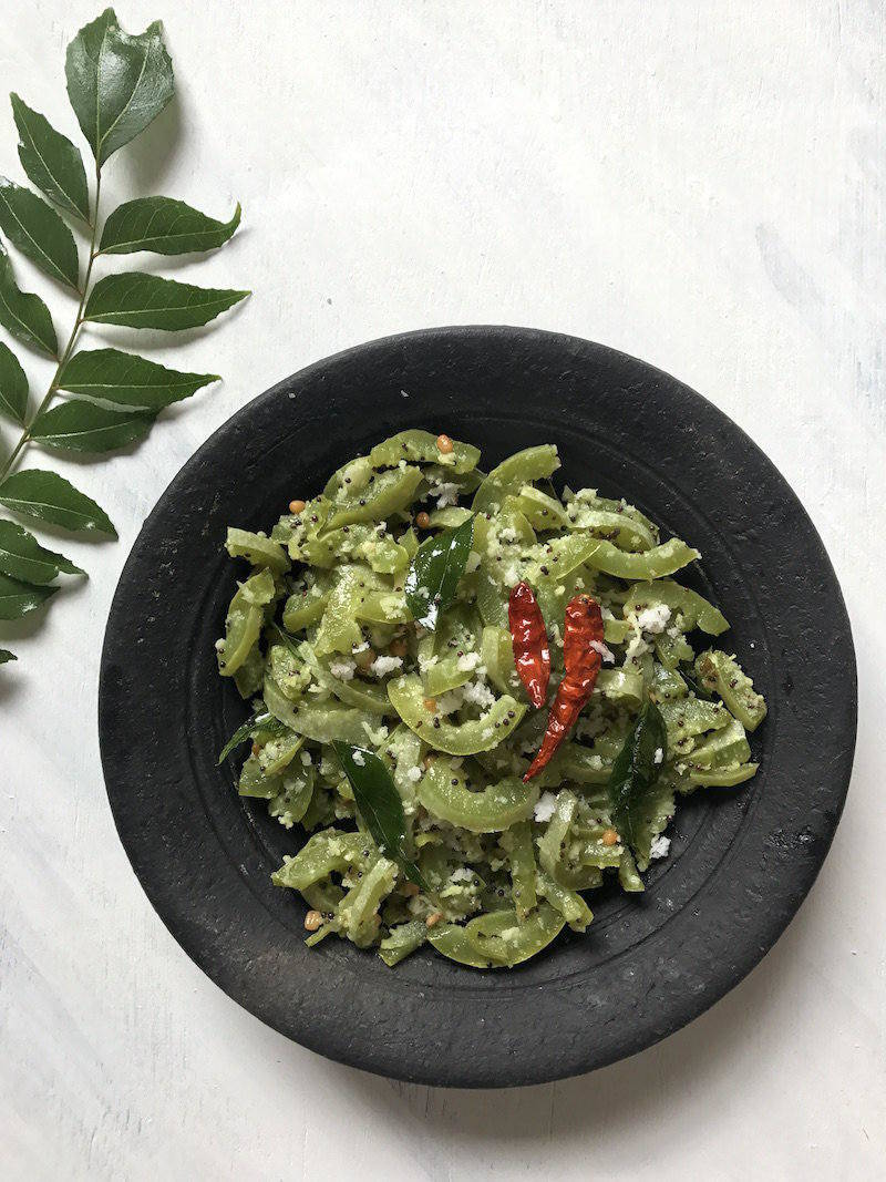 pudalangai poriyal snake gourd recipe
