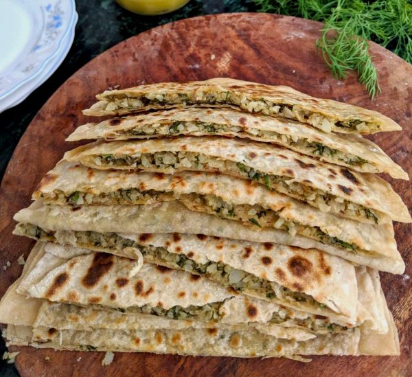 Cauliflower Parathas with Dill | Gobhi Parathas