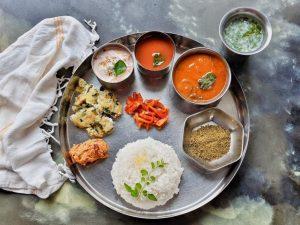 A detailed guide to cook an elaborate Tamil Vegetarian Menu